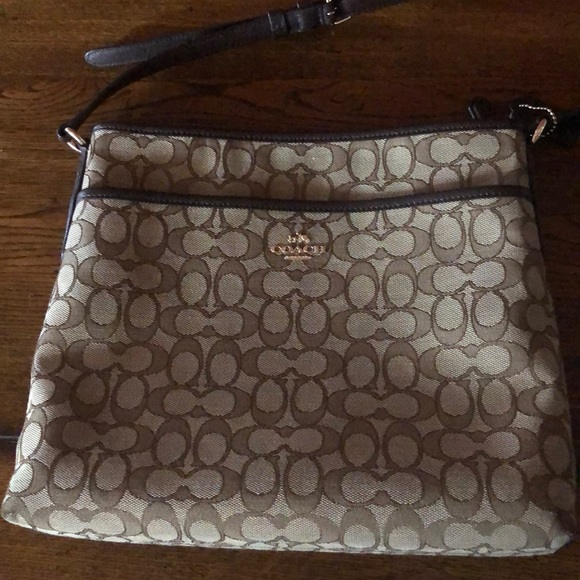 Coach Handbags - Couch crossbody